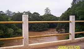 Rechan - Ponte sobre o Rio Itapetininga-Foto:LuziACruzFrata