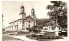 Ribeirão Bonito - foto antiga da Igreja Matriz e coreto, Por anonimus