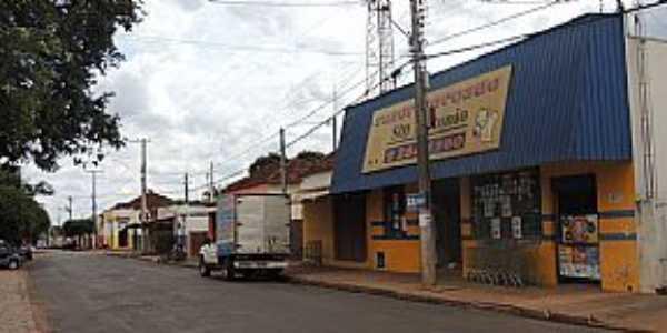 Ribeiro dos Santos-SP-Rua Comercial no centro do Distrito-Foto:olimpia24horas.com