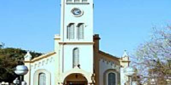 Pra�a e Igreja Matriz-Foto:Edi��oOnline.com.br