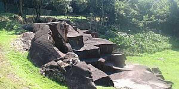 Parque  Rocha Moutonnée - por Adilson Karafa