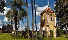 Santa Cruz das Palmeiras - Antiga Capela da Fazenda Vista Alegre