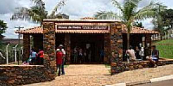 Museu de Pedra-Foto:Roselito Fávero da S…