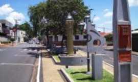 Santa Gertrudes - Praça Vereador Manoel Alonso Artur, Por Francisco Rocha Neto