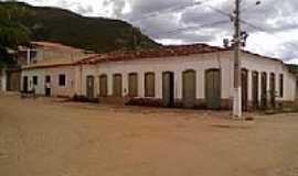 Remédios - Remédios-BA-Casario antigo na praça central-Foto:liberdade bom sucesso