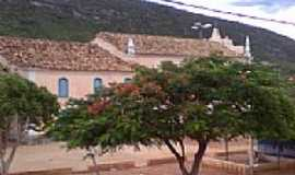 Remédios - Remédios-BA-Praça e lateral da Igreja de N.Sra.dos Remédios-Foto:liberdade bom sucesso