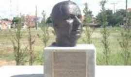 Santa Rosa de Viterbo - Busto , Por Nathália