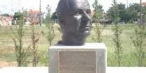 Busto , Por Nath�lia