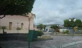 Retirolândia - Praça e lateral da Igreja Católica em Retirolândia-Foto:Eliel Soares
