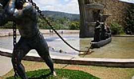 Santana de Parnaíba - Monumento aos Bandeirantes em Santana de Parnaíba-SP-Foto:Udson Pinho