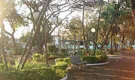 Santo Antônio do Jardim - Santo Antônio do Jardim-SP-Praça da Matriz-Foto:Regina Tessarini