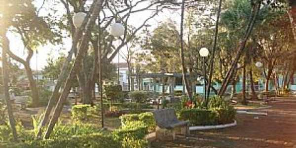 Santo Antônio do Jardim-SP-Praça da Matriz-Foto:Regina Tessarini