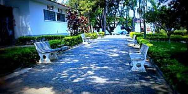 Santo Antônio do Jardim-SP-Praça Siqueira Campos-Foto:Regina Tessarini