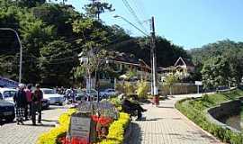 Santo Antônio do Pinhal - Santo Antônio do Pinhal-SP-Praça José Jacinto de Faria-Foto:denise braga