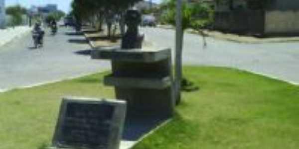 Monumento Dr. Eliel Martins, Por Nelma Santiago