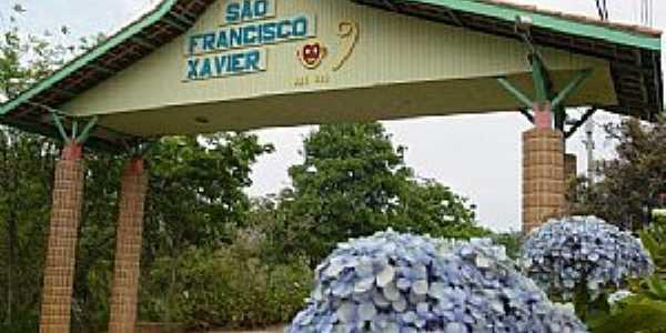 São Francisco Xavier-SP-Pórtico de entrada da cidade-Foto:monadorf.ig.com.br