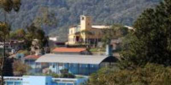 Igreja e escola Epaminondas, Por Angélica Farias