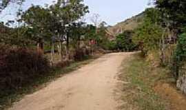 São José do Barreiro - Trilha da Pedra da Bacia, entrada do Cachoeirão em São José do Barreiro-SP-Foto:J. Augusto