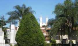 São José do Rio Pardo - Igreja Matriz vista do RPFC, Por Valdir Ferreira