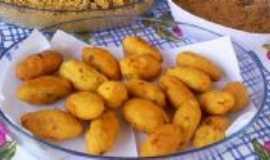 São Miguel Arcanjo - O melhor bolinho  de frango da região - Por Nazaré Domingues