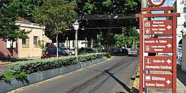 São Pedro-SP-Entrada da cidade-Foto:Eduardo Dantas
