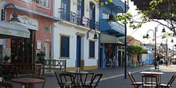Rua da Praia -  por Bruno.Rocha