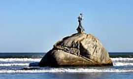 São Vicente - Pedra da Sereia em São Vicente-Foto:Sergio Delmonico