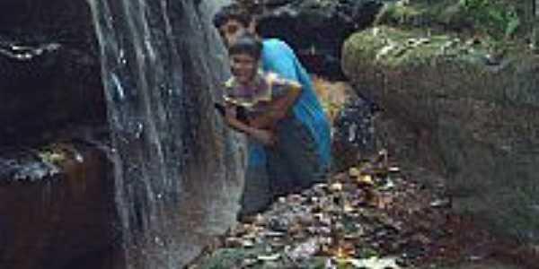 Cachoeira em Sarutaia por otanerdp