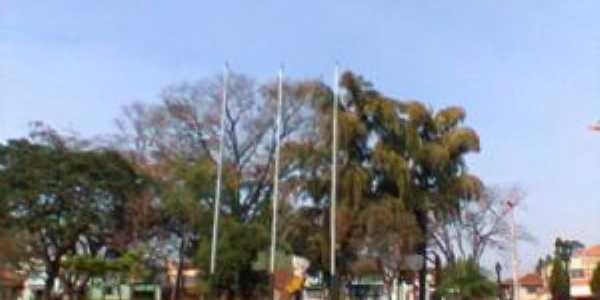 Praça Central, Serra Azul-SP, Por Luiz Xavier