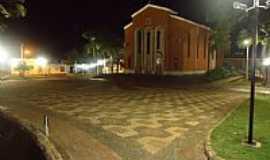 Serrana - Serrana-SP-Vista noturna da Matriz-Foto:Alex Sandro Bezerra