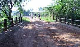 Suinana - Suinana-SP-Ponte Córrego dos Macacos-Foto:Amauri José Granzotto