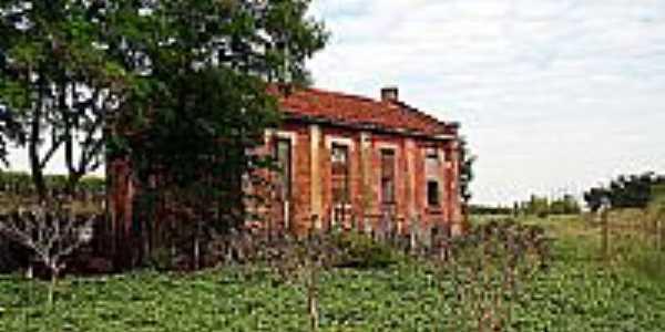 Antiga casa de funcionários da ferrovia-Foto:Fábio Vasconcelos