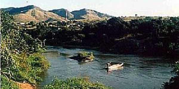 Ribeirão do Largo-BA-Rio e montanhas-Foto:www.bahianapolitica.com.br