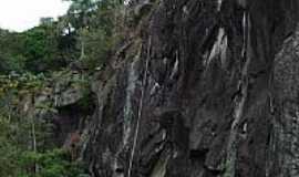 Taiaçupeba - Pedreira de Taiçupeba por xcbiker06