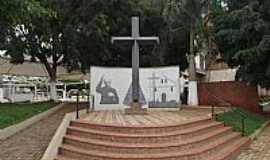Tambaú - Tambaú-SP-Monumento na Praça Padre Donizetti-Foto:Rica Bittencourt