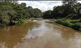 Ribeirão do Salto - Ribeirão do Salto-BA-Cachoeira no Povoado-Foto:www.facebook.com