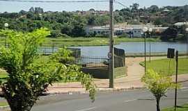Taquaritinga - Represa do Córrego Água Espalhada, vista da Avenida Pedro Carletto -  por MARCO AURÉLIO ESPARZA