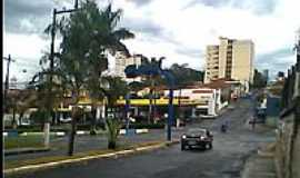 Taquaritinga - Av.José Dib Calil-Foto:pablowest