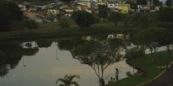 VISTA DO LAGO DO PARQUE ARNON F. MELO, Por JOS� ANT�NIO MAC�DO