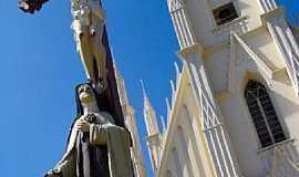 Taubaté - Taubaté-SP-Santuário de Santa Terezinha-Foto:Adriano Martins