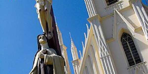 Taubaté-SP-Santuário de Santa Terezinha-Foto:Adriano Martins