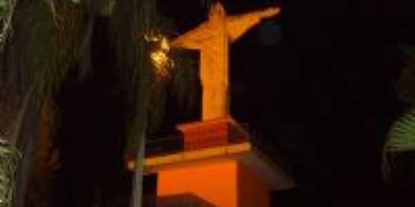 Praça do Cristo Redentor, Por MARIA ADRIANA MARQUES