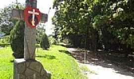 Tietê - Tietê-SP-Cruz e Brasão Missionário no Santuário Santa Terezinha-Foto:Pe. Edinisio Pereira…