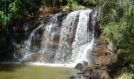 Timburi - Cachoeira em Timburi, Por Juliano D. A. Rosa