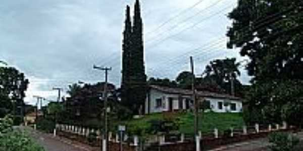 Timburi-SP-Prédio Público no centro da cidade-Foto:www.cepam.org