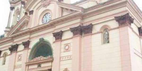 Basílica do Senhor Bom Jesus, Por Ana Cristina Candéas