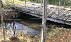 Tupã - Tupã-SP-Ponte sobre córrego em área rural-Foto:TheSAnTO