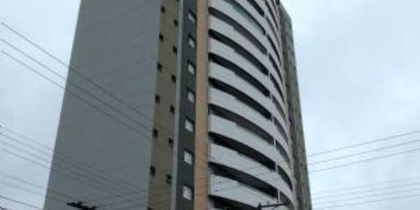 Edifício Vanuire, Por Tupã