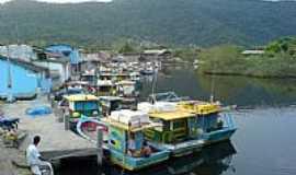 Ubatuba - Barcos de pesca em Ubatuba-SP-Foto:Stephan Alexander Ri�