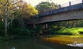 Ubirajara - Ponte Rio São João-Foto:Luciano Rizzieri